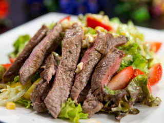 Pan-Fried Steak with Strawberry Salad -