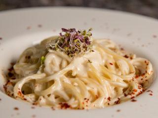Creamy White Sauce Spaghetti -