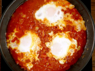 Fried Eggs in Tomato Sauce -