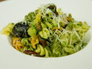 Fusilli with Spinach Pesto -