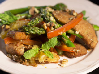 Turkey Stir-Fry with Asparagus and Oranges -