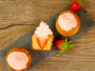Muffins with Strawberry Inside -