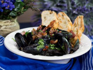 Mussels with Bacon and Cider Sauce -