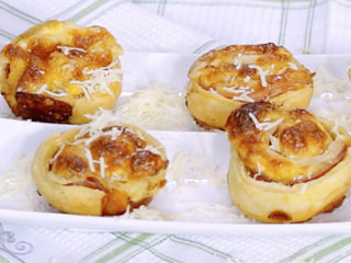 Bacon and Scrambled Egg Puff Pastry Rolls -