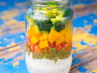 Mason Jar Pasta and Broccoli Salad -