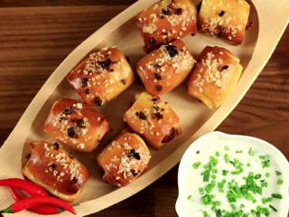 Mini Sausage Rolls -
