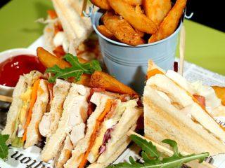 Chicken Club Sandwich -