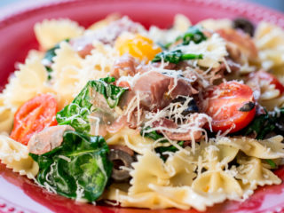 Farfalle with Prosciutto and Baby Spinach -
