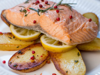 Pan-Fried Salmon and Potatoes -