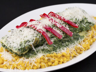 Spinach Omelet with Buttered Sweet Corn -