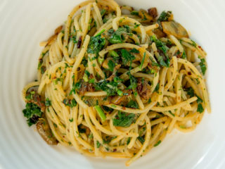 Parsley and Chili Spaghetti -