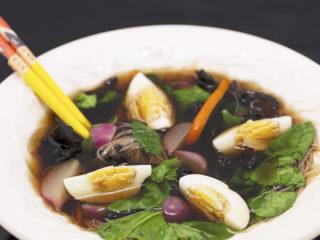 Vegetarian Ramen Soup -