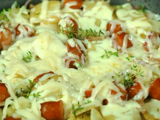 Cheesy One Pan Sausage and Potatoes -