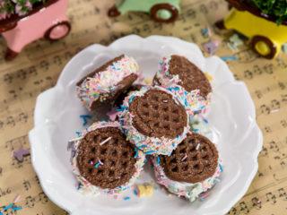 Cream-Filled Cookie Sandwiches -