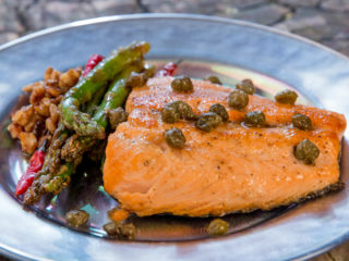 Salmon with Asparagus and Capers -