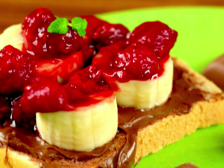 Raspberry Sandwich -