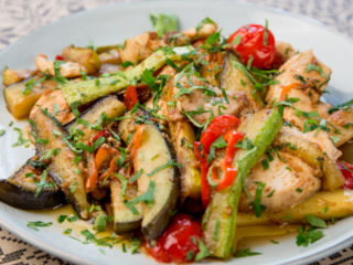 One Pot Chicken, Zucchini and Cherry Tomatoes -