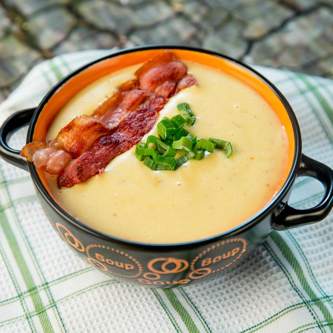 Creamy Potato and Bacon Soup -