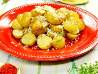 Rosemary Oven-Baked New Potatoes -