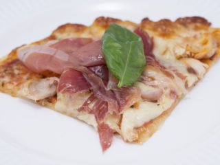 Roast Turkey and Prosciutto Pizza -