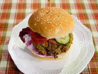 Quinoa and Broccoli Burger -