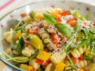 Warm Bell Pepper Pasta Salad -