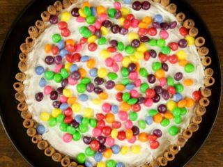 Skittles Fruity Cake -