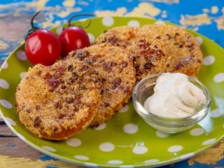 Bacon and Cornmeal Crusted Tomatoes -