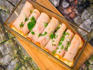 Egg-and-Bacon Stuffed Ham Rolls -