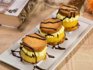 Mango Sorbet Sandwich Cookies -