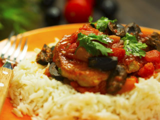 Pork Chops with Tomato Sauce -