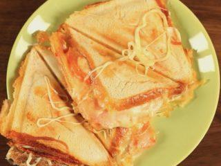 Mozzarella and Ham Sandwiches -