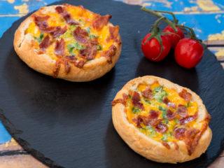 Bacon and Cheddar Bread Bowls -