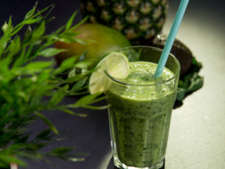 Spinach and Mango Smoothie -