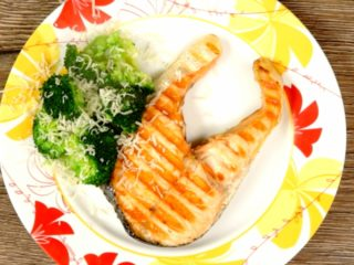 Grilled Salmon Steak with Broccoli -