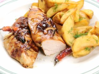 Oven-Baked Chicken with Barbecue Sauce and Chili -