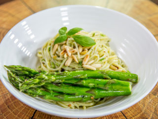 asparagus spring onion and parmesan spaghetti