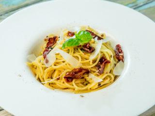 tomato and parmesan spaghetti