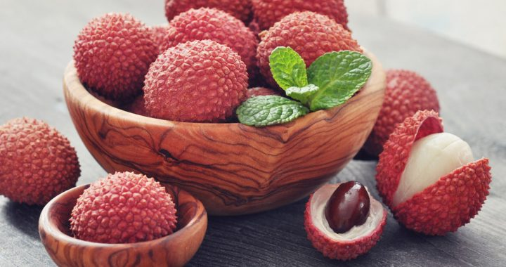 Don't Eat Lychee on an Empty Stomach! It May Be Harmful.