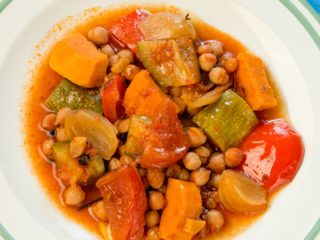 Slow-Cooked Vegetables in Ginger Sauce