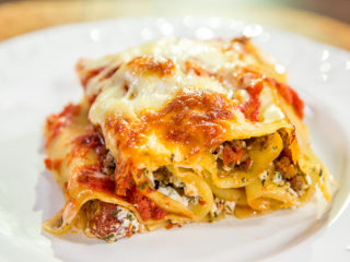 beef and ricotta lasagna rolls