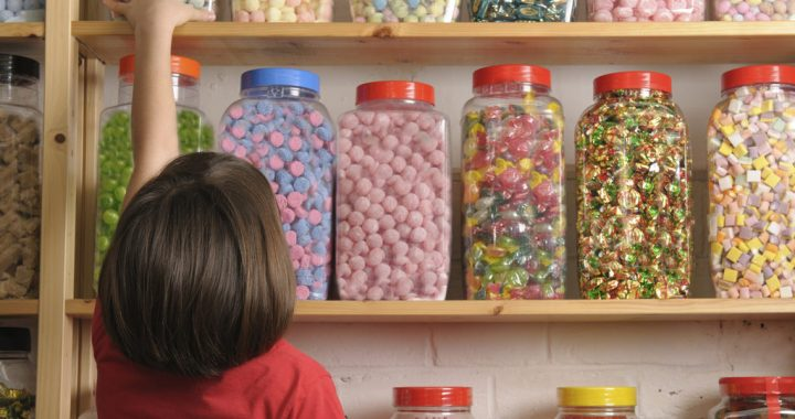Study: Kids Snacking Patterns are Linked to Genetics.