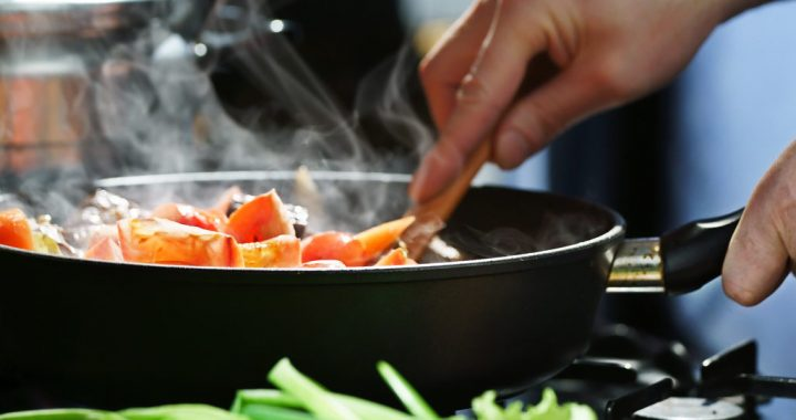 How to Cook Without Oil. Useful Tips for Healthier but Still Tasty Foods.