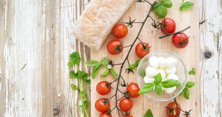 Fresh Mozzarella or Low-moisture Mozzarella? Let's Decide