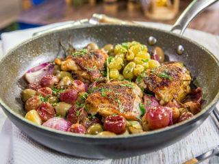 skillet chicken thighs with grapes and pimento olives