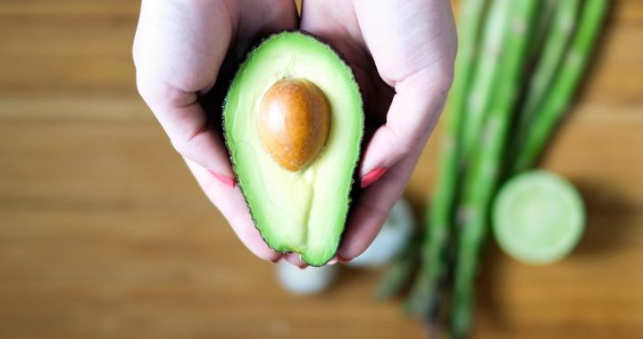 British Doctors Suggest Warning Labels to Protect You From Avocado Hand