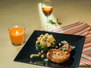 ork Chops with Spinach and Cauliflower Salad