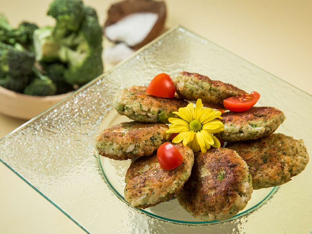 Cauliflower and Broccoli Fritters