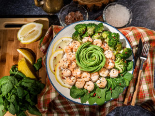 shrimp and broccoli warm salad with avocado