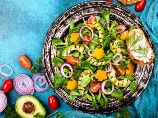 Grilled Salads. Ideas for a Healthy Summer Meal with a Touch of Smoke